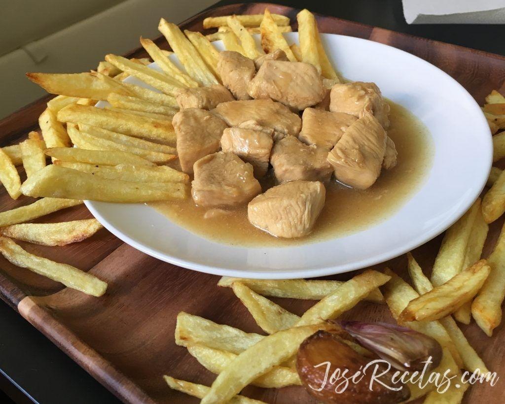 pollo a la cerveza con patatas