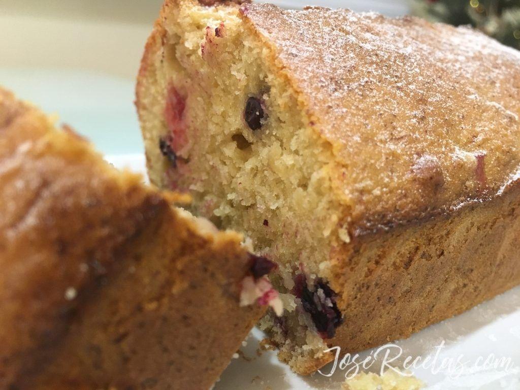 Plum cake de frutos rojos